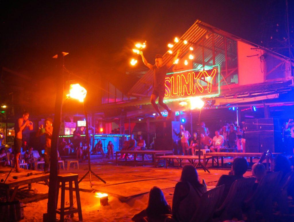 phi phi island nightlife slinky beach bar