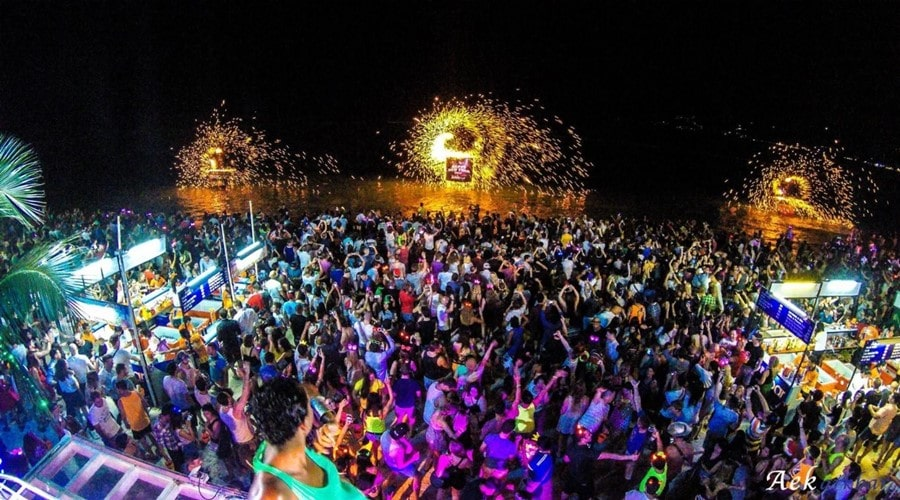 things to do in thailand full mood party koh phangan had rin beach