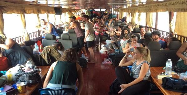 Luang Prabang to Chiang Mai by slow boat chiang mai to luang prabang slow boat flights chiang mai to luang prabang slow boat chiang mai to luang prabang how to get from chiang mai to luang