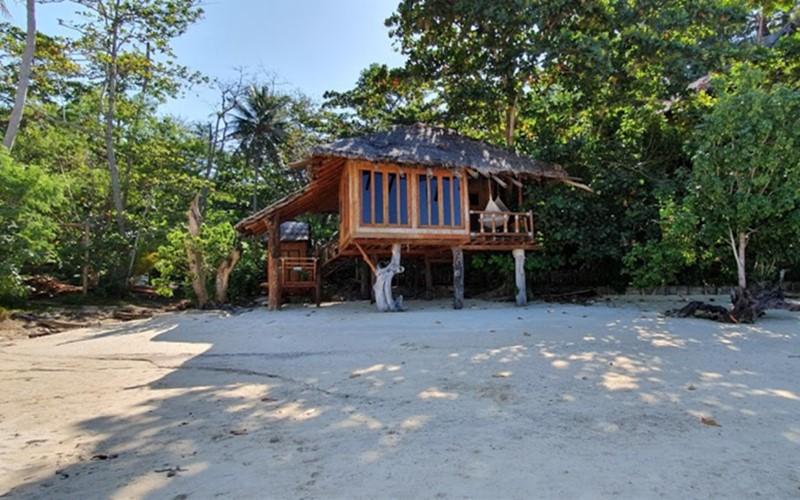 beach hut on koh phi phi viking beach