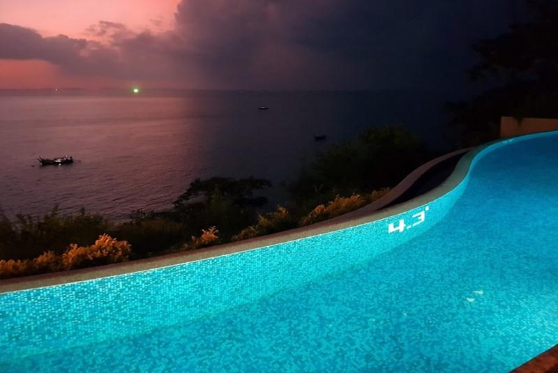 holiday inn phi phi island sunset