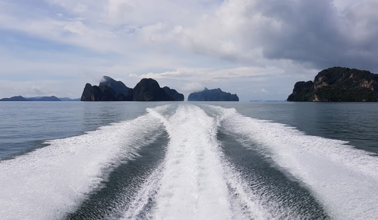 how to visit phi phi islands without taking a tour