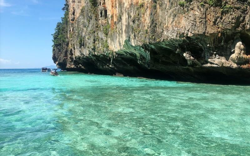 phi phi island pileh lagoon