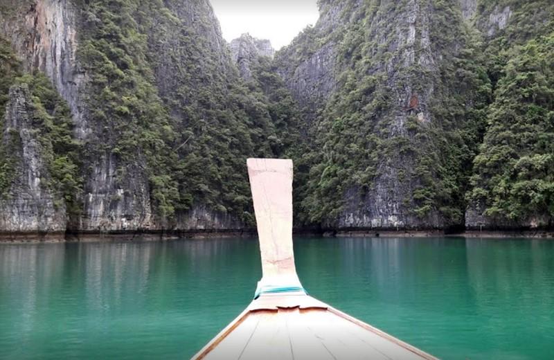 pileh lagoon long tail boat
