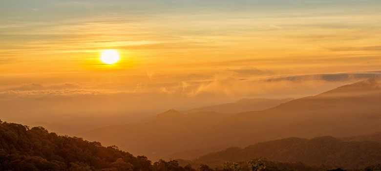 sunset on doi pui mountain in chiang mai best place to watch sunset
