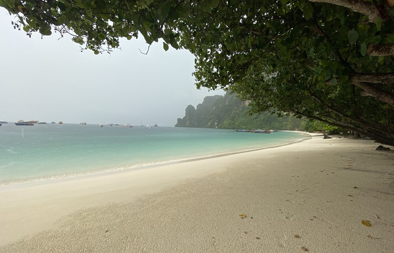 a beach on a thai island has no tourists after the thailand coronavirus lockdowns
