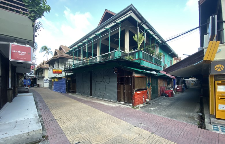closed pub in thailand no tourists on thai island after coronavirus lock down