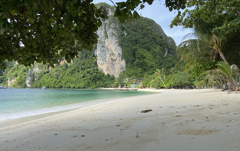 empty beach in thailand during the no touris coronavirus lockdown