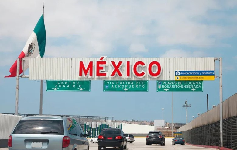 can americans travel to mexico travel from america to mexico land border coronavirus covid restrictions